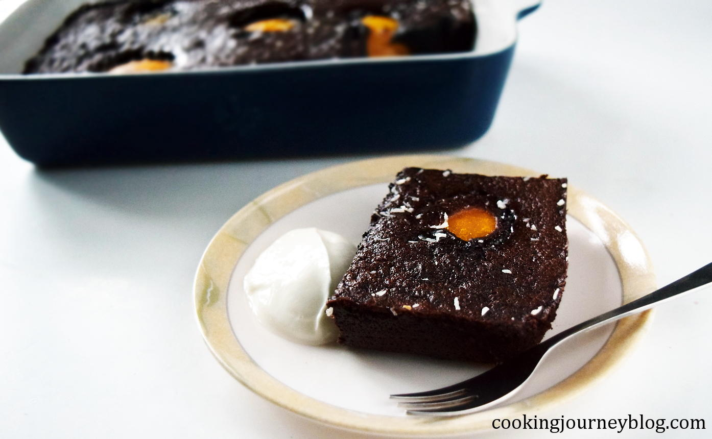 chocolate pudding cake on a plate, served with Skyr
