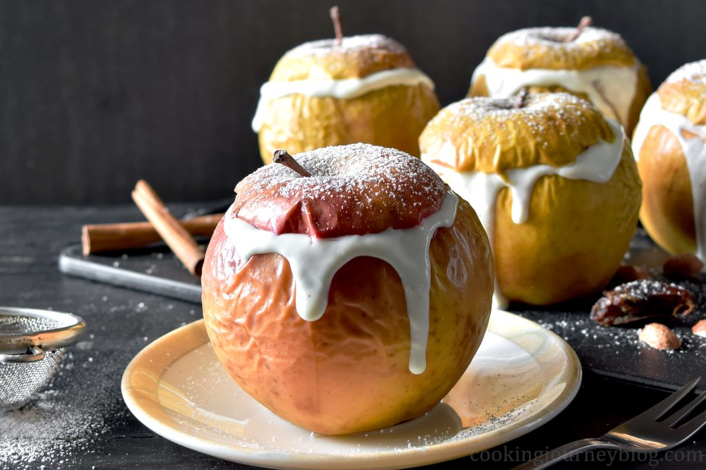 Easy Baked Apples with Yogurt, cinnamon and sugar on top