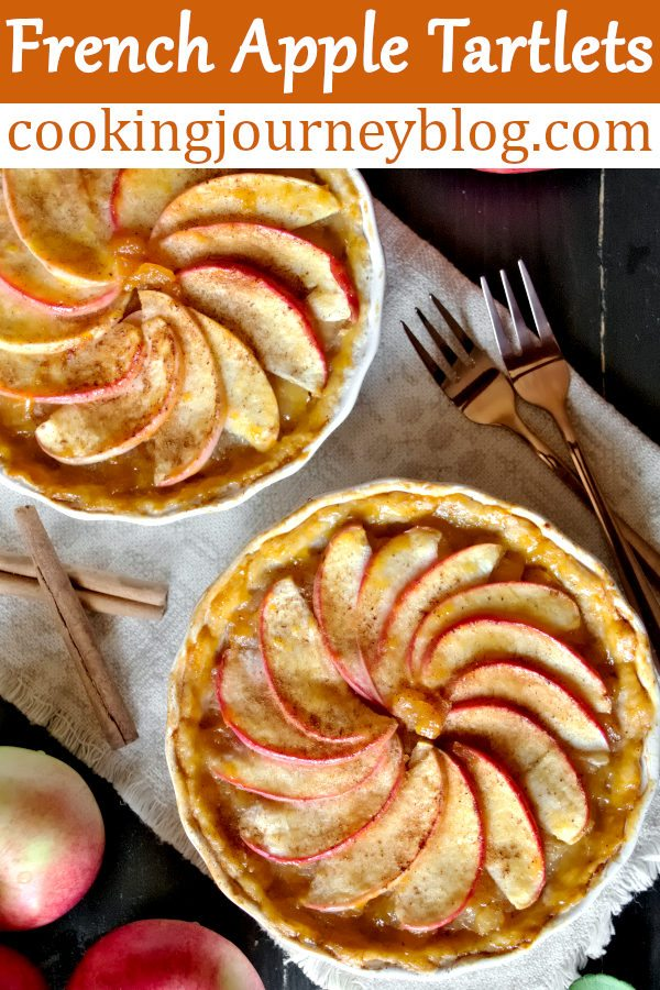 French apple tartlets are best fall desserts! This is an easy apple tart recipe to enjoy with your family. Spicy apple pie filling in flaky crust. #applepie #apples #applerecipes
