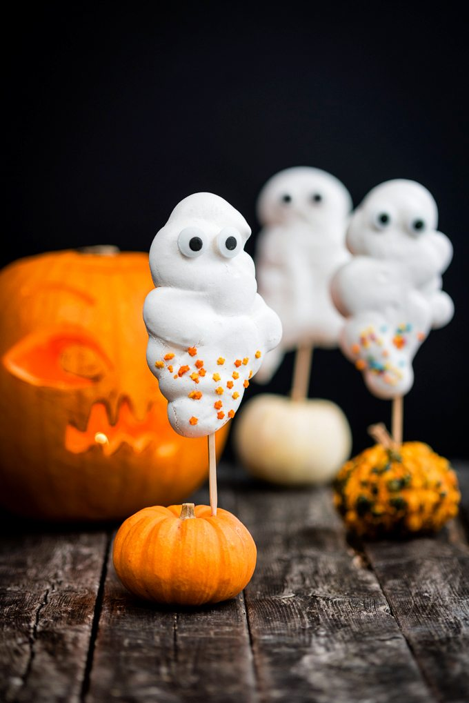 Meringue Ghost Lollies