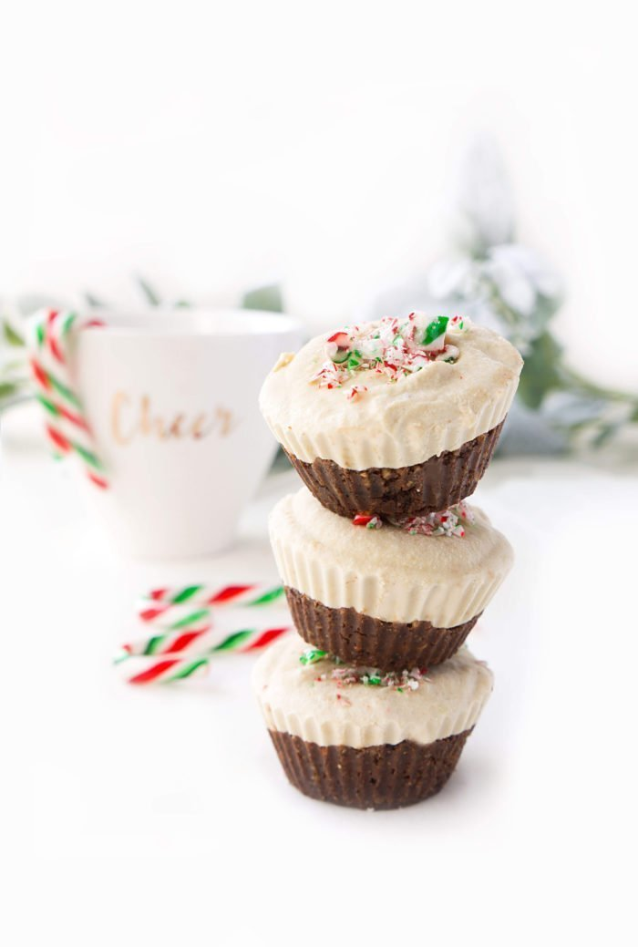 No-Bake Vegan Chocolate Peppermint Cheesecake Cups