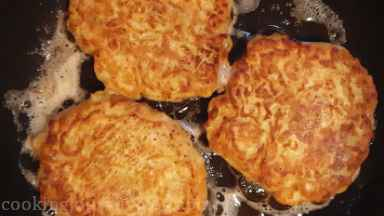Cook another batch of boxty until you use all batter. Heat the vegetable oil in between, if needed.