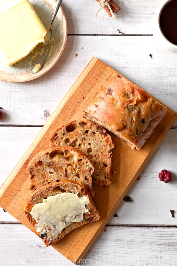 Sliced Irish Barmbrack, served with butter