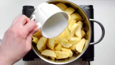 Add a cup of water in the pot.
